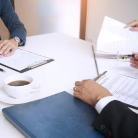 ČNB vyhlašuje výběrové řízení na právně-ekonomické pozice