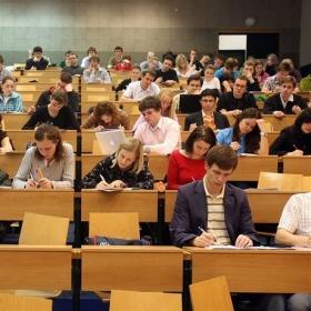 """Pro zájemce o studium – proč studovat obor """"Podnikání a právo"""" na FMV VŠE v Praze?"""